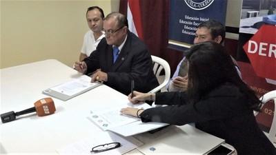 Unichaco y Gobernación firman convenio para potenciar educación