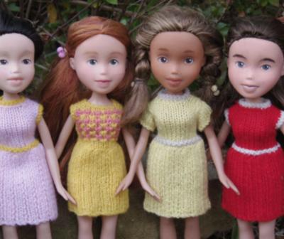 Una artista restaura muñecas dándoles un look más realista.