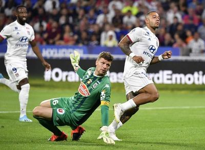Depay y Dembelé alargan buen arranque del Lyon