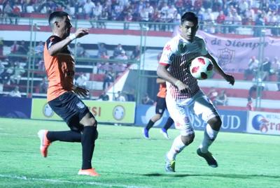 En el último suspiro, San Lorenzo salva un punto ante General Díaz