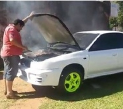 Transformó su Subaru en parrilla y es todo un éxito