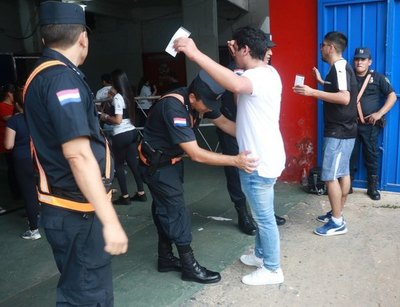 Un gran despliegue policial para el Cerro-Olimpia
