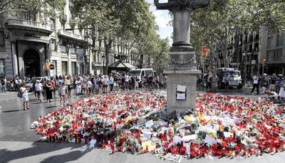 Barcelona: Homenaje en silencio a las víctimas de los atentados del 17-A