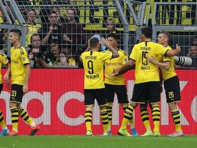 El Dortmund presenta su candidatura con goleada y doblete de Alcácer