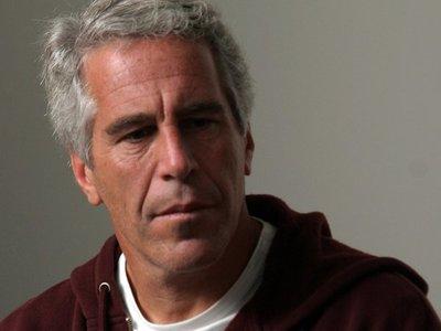 Epstein pasó sus ultimos días en extensas reuniones con abogados