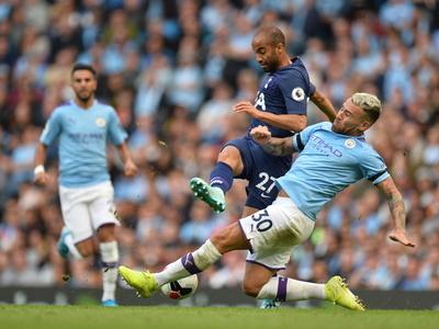 Tottenham rescata un punto de su visita al campeón