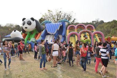 Multitudinario festejo del Día del Niño en Caacupé