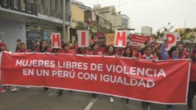 Miles de mujeres peruanasexigenfin de la violencia de género