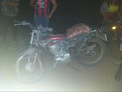 Motociclista muere tras chocar frontalmente con un  automóvil