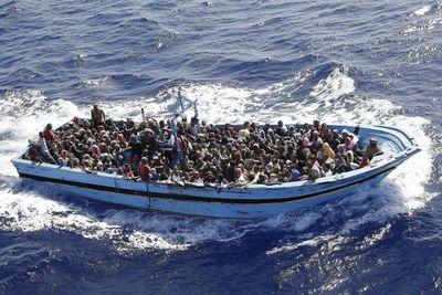 Más de 300 migrantes rescatados frente a la costa de Libia