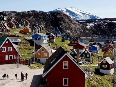 """Trump """"quiere echar un vistazo"""" a compra de Groenlandia"""