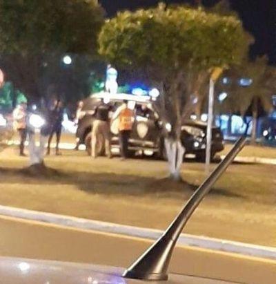 Hijo de concejal baleó a policía durante barrera