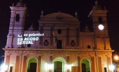 HOY / Con mensajes en la Catedral y en la  UCA protestan contra Kriskovich