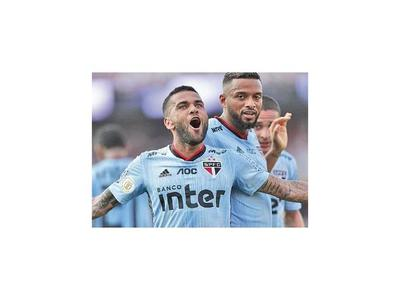 Dani Alves le da la victoria al São Paulo