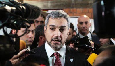 Mario Abdo Benítez recibe este lunes a las bancadas de diputados de su partido