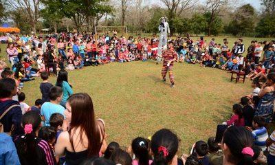 Intendente festejó con los niños del Km. 12 y anunció obras para la zona del vertedero