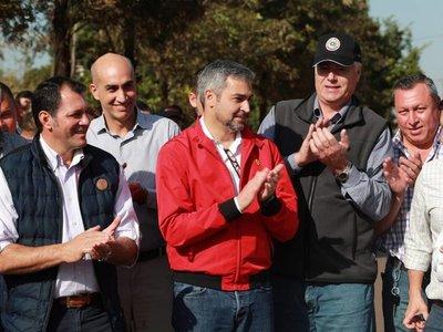 Cartista niega pedido de cambio de ministros para apoyar a Mario Abdo