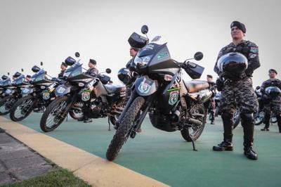 Para reforzar la seguridad ciudadana, Gobierno entrega 200 nuevas motocicletas al Grupo Lince