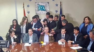 HOY / Oposición pide tratar el juicio político este miércoles