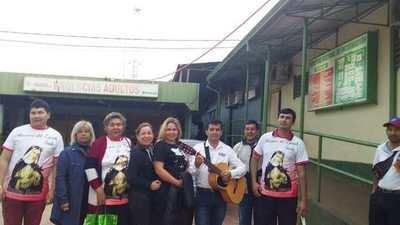 GRUPO DE VOLUNTARIOS LLEVARON REGALOS A NIÑOS INTERNADOS EN HRE
