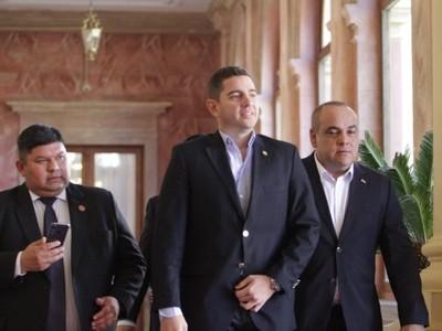 'Acá nadie es prisionero de nadie', dice el diputado Pedro Alliana