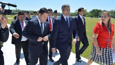 Rodríguez habla de renuncia y Velázquez de destitución