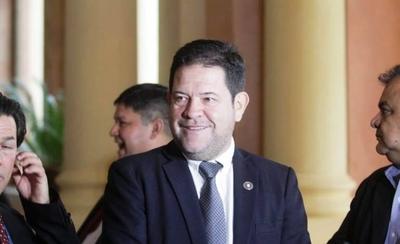 """HOY / """"Estamos muy cuestionados"""", dijo Armando Rodríguez para explicar su salida del IPS"""