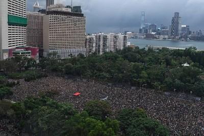 Twitter dice que China usó su servicio para sembrar discordia en Hong Kong
