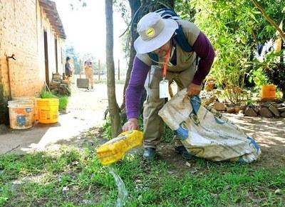 Insisten en eliminar criaderos de aedes aegypti diariamente