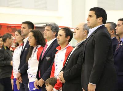 Homenajean a la comitiva paraguaya que retorna del Panamericano