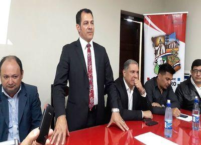 Giménez presentó informe de gestión