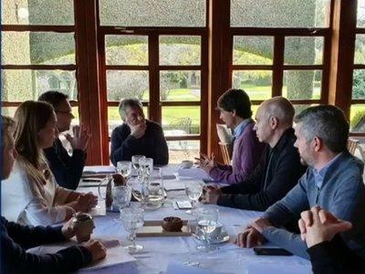 Nuevo ministro anuncia prioridades de la golpeada economía argentina