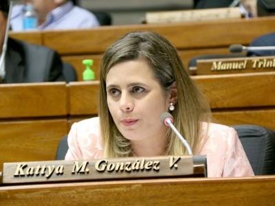 'La disciplina stronista no admite indisciplina', sostiene Kattya González