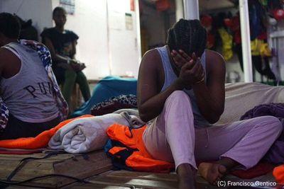 Fiscalía italiana ordena desembarco de migrantes de Open Arms en Lampedusa