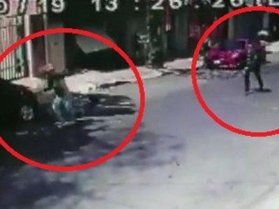 Vecino hizo correr a motochorros a punta de un arma