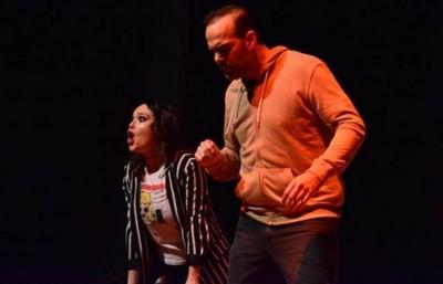 Obra Con Álvaro Mora Y Lali González Sigue En El Latino