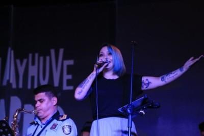 Andrea Valobra Y La Jazz Band De La Policía Nacional Juntos