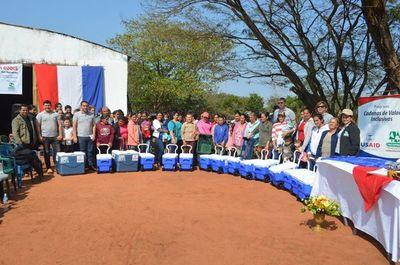 Mujeres de Yaguareté Forest reciben herramientas y equipo de trabajo