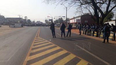 Tras archivo de juicio político, campesinos exigen renuncia del Presidente
