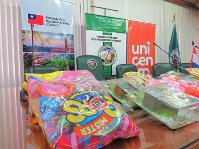 Caaguaz{u: Entregan regalos que serán destinados a niños indígenas