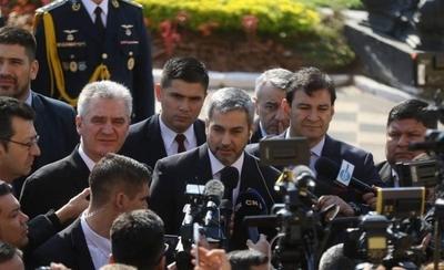 HOY / Abdo debe recuperar la credibilidad y hacer los cambios en su gabinete, según Harms
