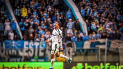 Palmeiras derrota a domicilio al Gremio y espera tranquilo el juego de vuelta