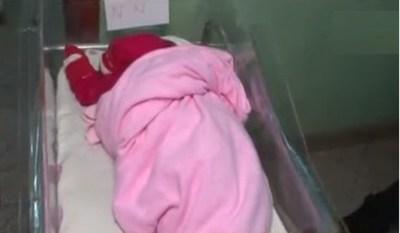 Abandonaron a una beba en un patio baldío de Itá
