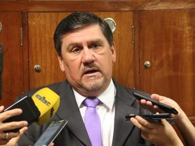 Juramento de Horacio Cartes 'son rumores', dice Blas Llano