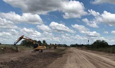 San Juan del Ñeembucú: pobladores angustiados por ruta que nunca culmina