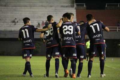 Nacional supera el susto y avanza en la Copa Paraguay