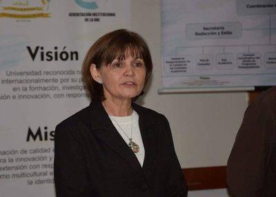 Comité de Autoevaluación de la UNE recibe a asesora técnica de ANEAES