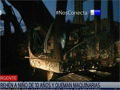 Desconocidos queman maquinarias en una estancia de Mbuyapey