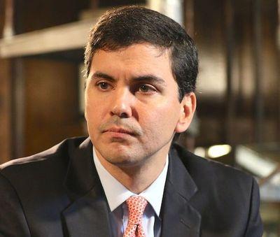 Santi Peña insta a tomar medidas económicas antes que sea tarde