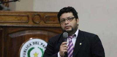 """HOY / """"Los chicos terminan odiando  enseñanza del guaraní"""", o por  qué solo 30 % somos bilingüe"""